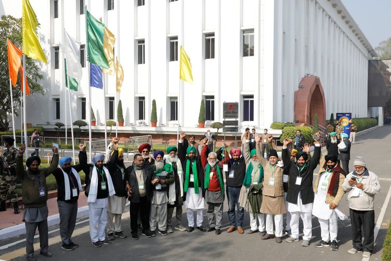 Farmer leaders meet with government representatives in New Delhi