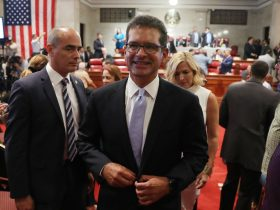 New Puerto Rico gov. sworn in, vows to push statehood