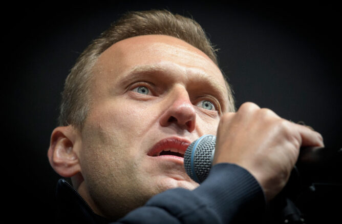 Russian opposition leader Navalny sentenced to 2.5 years in prison
