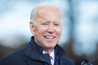 CONCORD, NH - NOVEMBER 08: Democratic presidential candidate, former vice President Joe Biden speaks during a rally after he signed his official paperwork for the New Hampshire Primary at the New Hampshire State House on November 8, 2019 in Concord, New Hampshire. The state's first-in-the-nation primary will be held on February 11, 2020. (Photo by Scott Eisen/Getty Images)