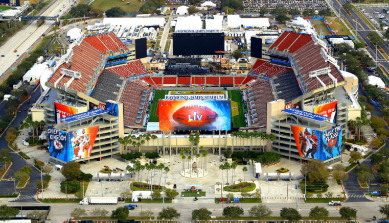 Fla., Mo. governors go head to head over Super Bowl