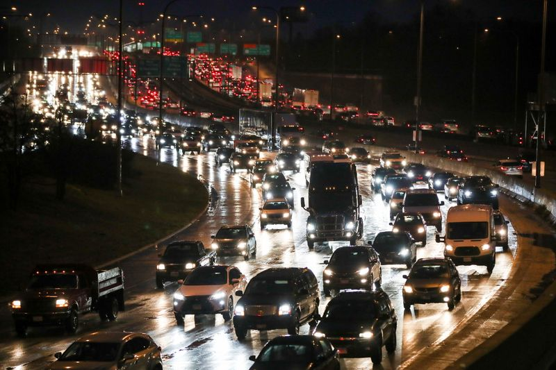Travellers take to the roads ahead of the Thanksgiving holiday in Chicago