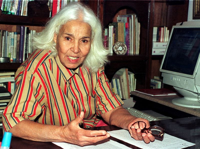 FILE PHOTO: Egyptian writer Nawal el-Saadawi during an interview with Reuters in Cairo May 23, 2001. Saadawi, po