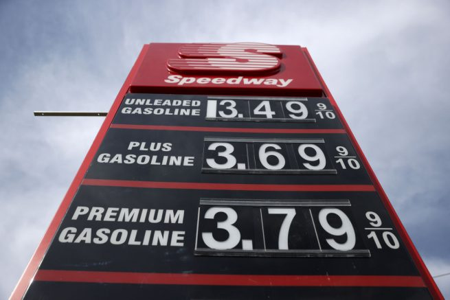 MARTINEZ, CALIFORNIA - MARCH 3: Gas prices are displayed at a Speedway gas station on March 3, 2021 in Martinez, California.  Gasoline prices have risen in the United States to a national average of $ 2.72 per gallon, an increase of 30 cents from a month ago.  Gasoline in California has an average price of $ 3.68 per gallon, the highest in the country.  (Photo by Justin Sullivan / Getty Images)