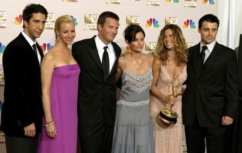 FRIENDS CAST APPEARS WITH WINNER JENNIFER ANISTON AT EMMY AWARDS.