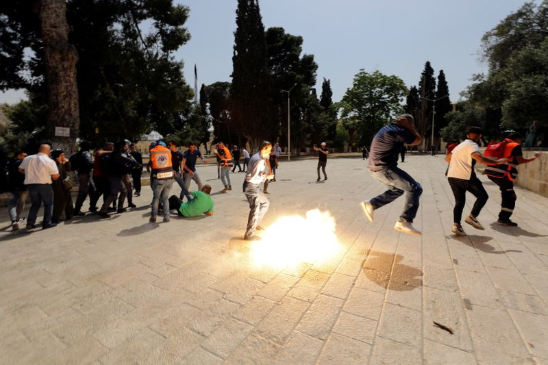 Clashes at the compound that houses Al-Aqsa Mosque in Jerusalem's Old City
