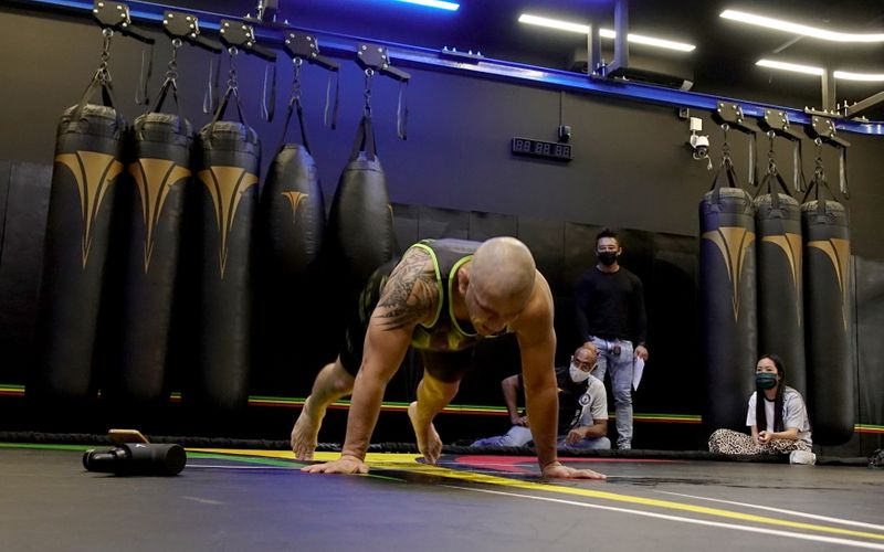 Cassiano Rodrigues Laureano breaks Guinness World Record of most number of burpees in 60 minutes, in Singapore