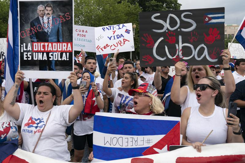 Americans stage die-in in solidarity with Cubans