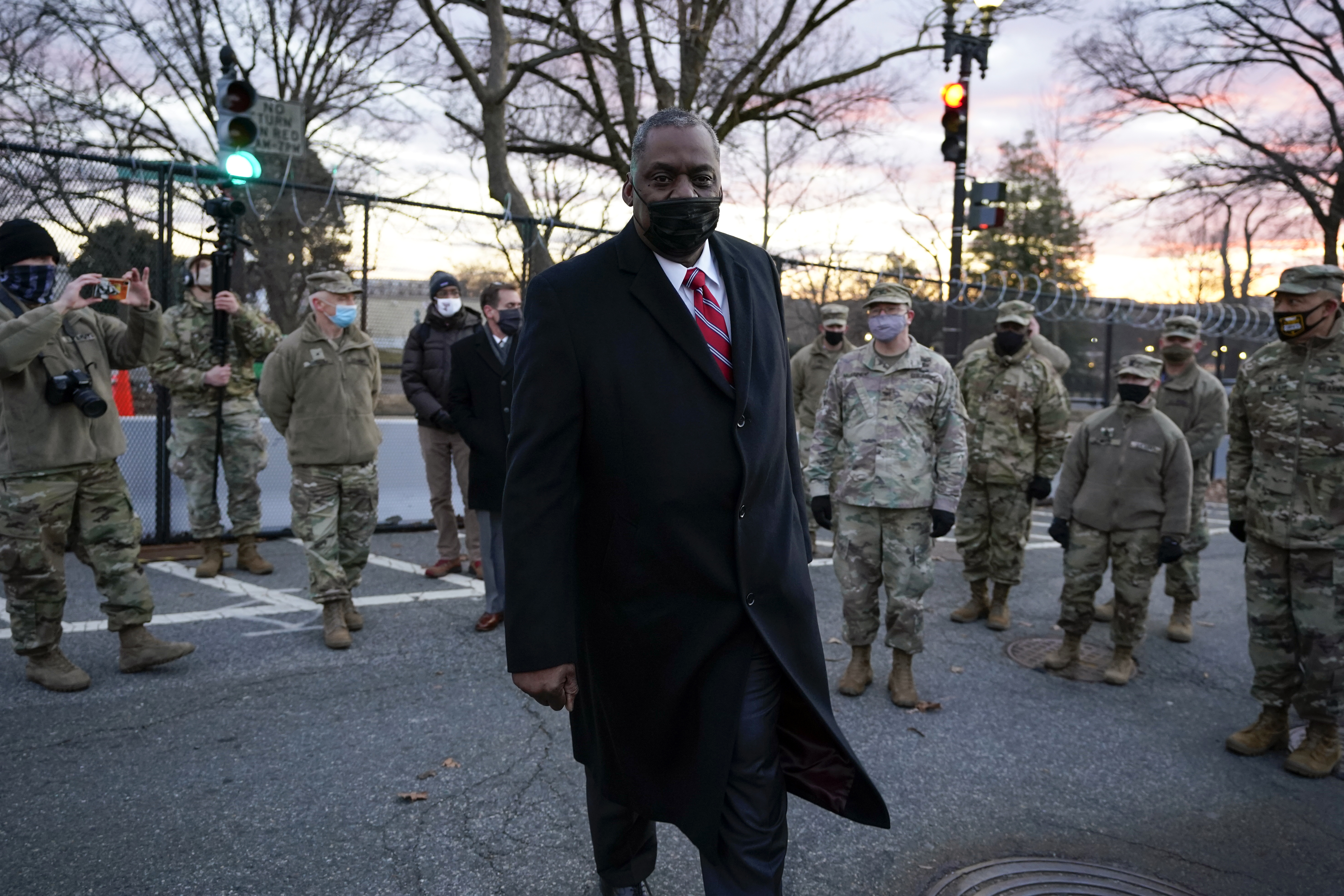Secretary of Defense Lloyd Austin visits National Guard troops deployed at the U.S. Capitol and on Capitol Hill in Washington, D.C. (Photo Manuel Balce Ceneta-Pool/Getty Images)