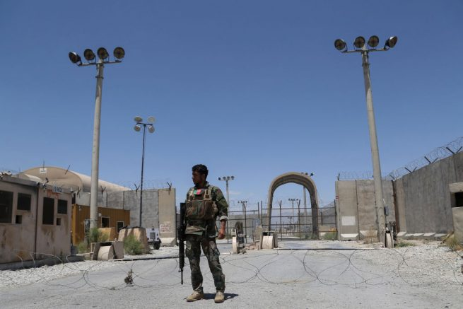 An Afghan National Army (ANA) soldier stands guard at Bagram Air Base, after all US and NATO troops left, some 70 Km north of Kabul on July 2, 2021. (Photo by Zakeria HASHIMI / AFP) (Photo by ZAKERIA HASHIMI/AFP via Getty Images
