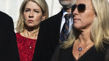 Reps. Mary Miller (R-IL), left, and Marjorie Taylor Greene (R-GA). (Photo By Tom Williams/CQ Roll Call via AP Images)