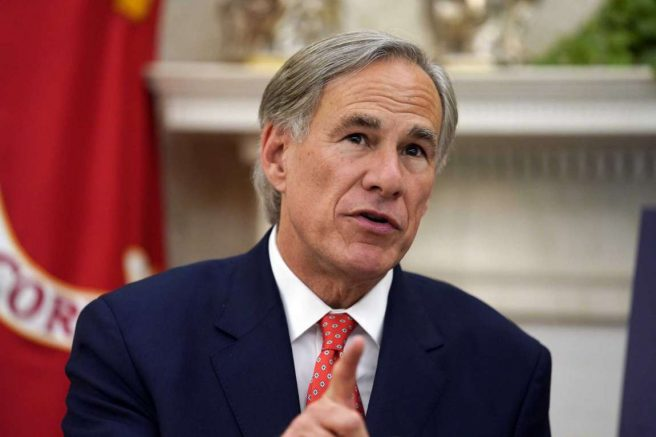 Texas Gov. Greg Abbott (R) in the Oval Office of the White House in Washington. (AP Photo/Evan Vucci)