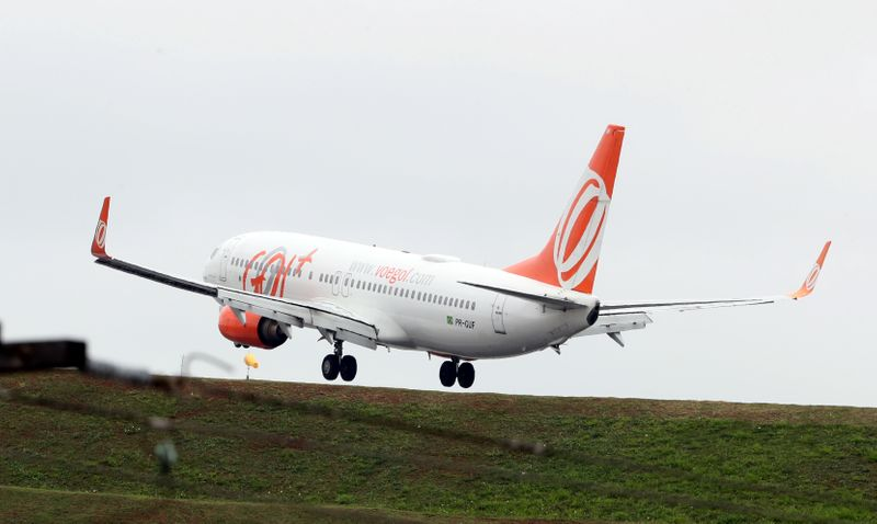 FILE PHOTO: A Boeing 737 airplane of Gol Linhas Aereas lands at Congonhas airport in Sao Paulo