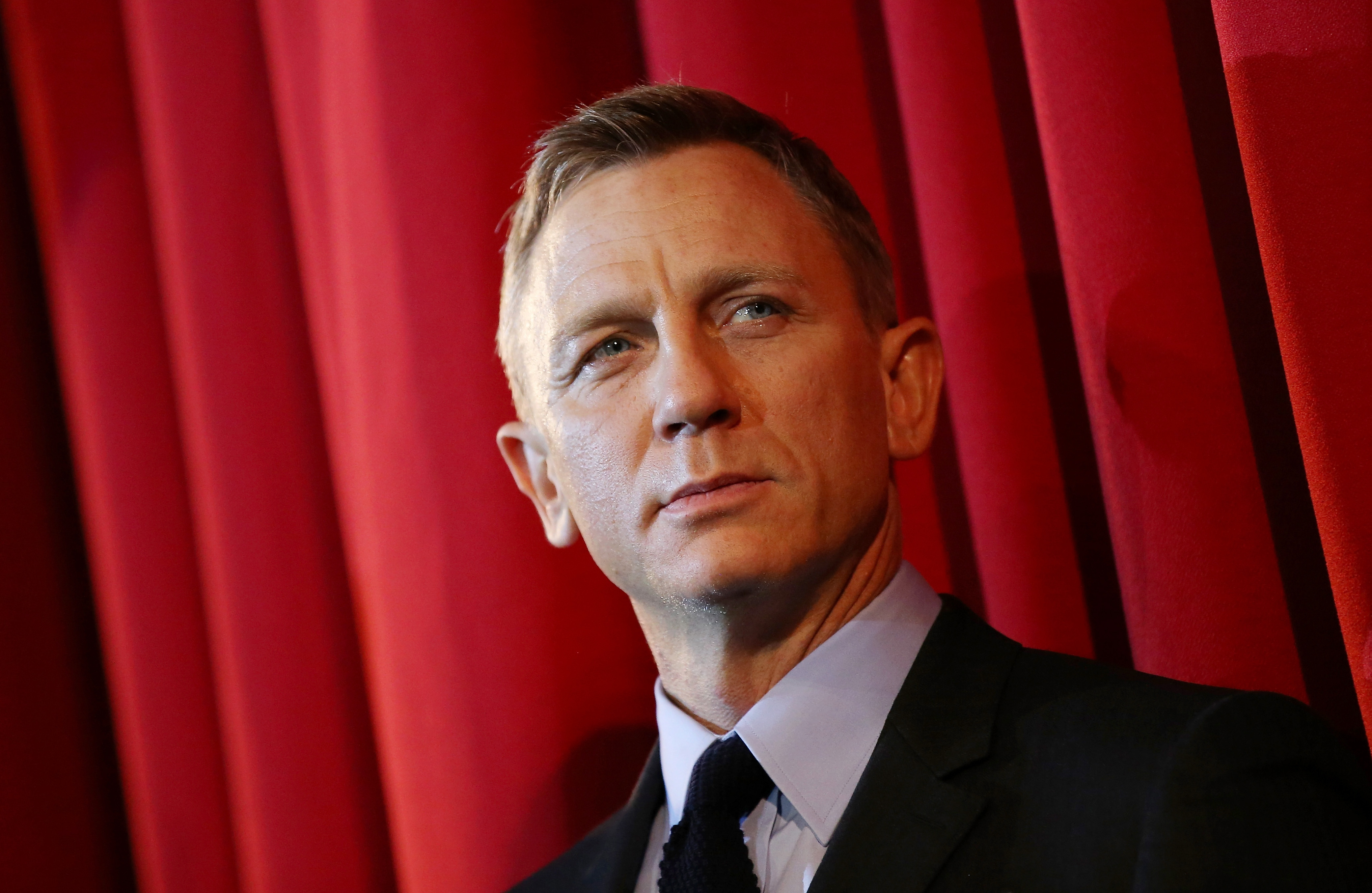 Actor Daniel Craig attends the German premiere of the new James Bond movie 'Spectre' at CineStar in Berlin, Germany. (Photo by Sean Gallup/Getty Images for Sony Pictures)