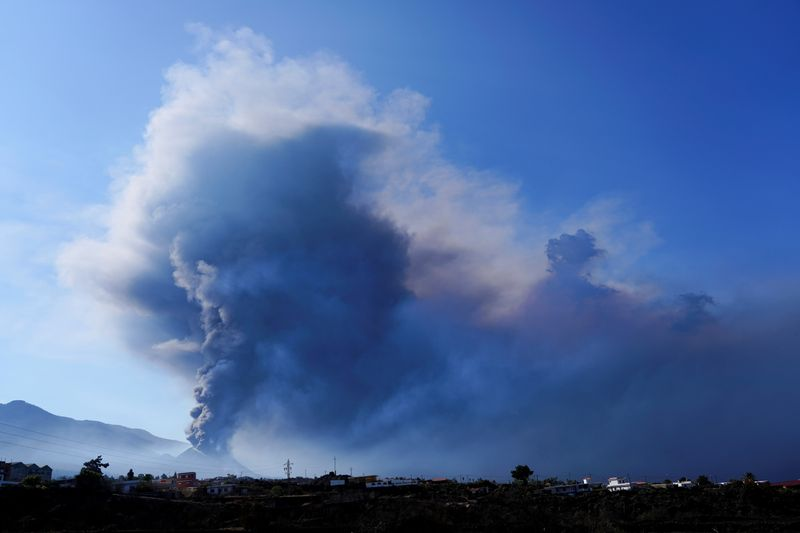 FILE PHOTO: The Cumbre Vieja volcano continues to erupt on the Canary Island of La Palma, as seen from El Paso